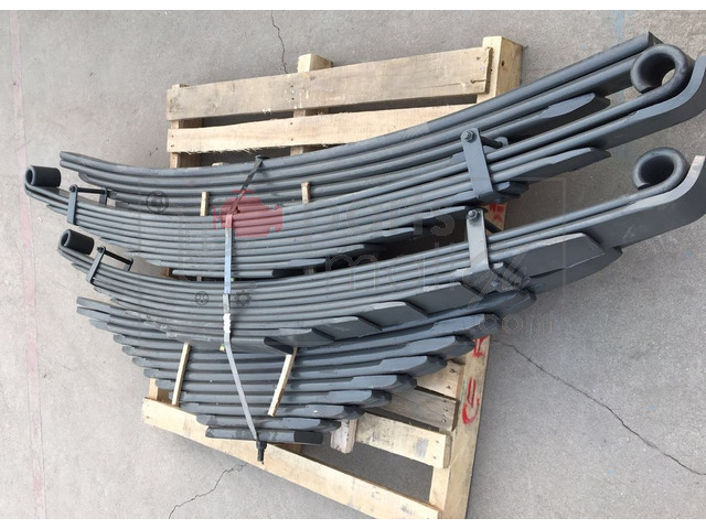 Conventional and parabolic leaf springs